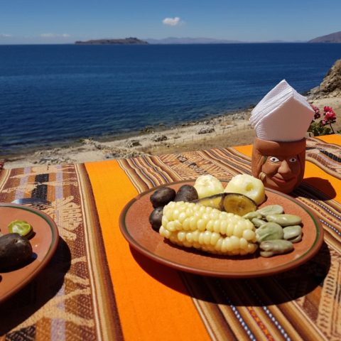 Codzienne jedzenie na Wyspie Słońca, fot. Beata Pawlikowska
