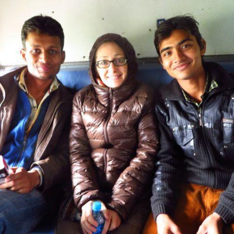 Z wesołymi studentami w pociągu do Varanasi, W pociągu w Japonii, fot. Beata Pawlikowska