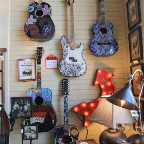 Gitary na sprzedaż, fot. Beata Pawlikowska