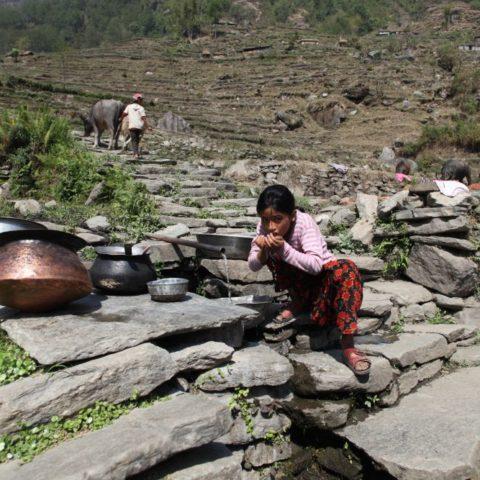 Podczas wędrówki w okolicach Annapurny w Nepalu, fot. Beata Pawlikowska
