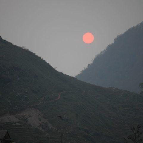 Zachód słońca w Himalajach, fot. Beata Pawlikowska