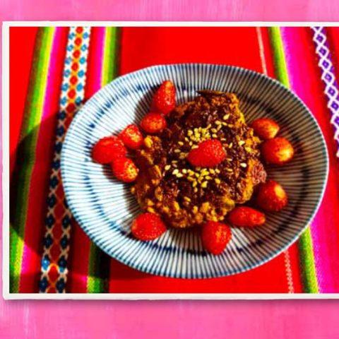 Poziomkowe ciastka z sezamem i czekoladą,  fot. Beata Pawlikowska
