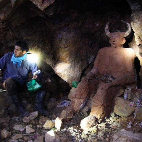 El Tio, bóg podziemi w kopalni srebra, W kopalni srebra w Potosi, fot. Beata Pawlikowska