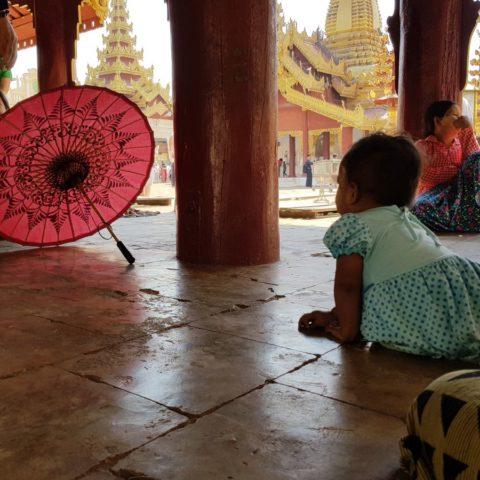 Przy buddyjskiej świątyni, fot. Beata Pawlikowska