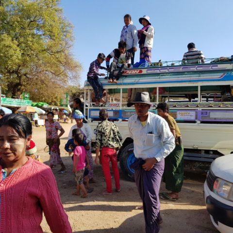 Podróż autobusem po Birmie,  fot. Beata Pawlikowska