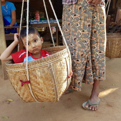 W birmańskiej wiosce, fot. Beata Pawlikowska