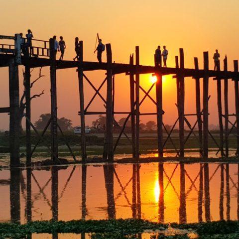 Najdłuższy drewniany most świata U Bein,  fot. Beata Pawlikowska