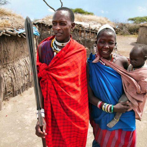 Masajska rodzina w okolicach krateru Ngorongoro, Tanzania