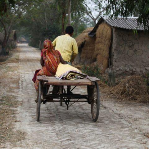 W Indiach tradycyjnie wciąż zawiera się małżeństwa aranżowane przez rodziców. Ta para ma za sobą ponad 30 lat wspólnego życia, Zachodni Bengal w Indiach
