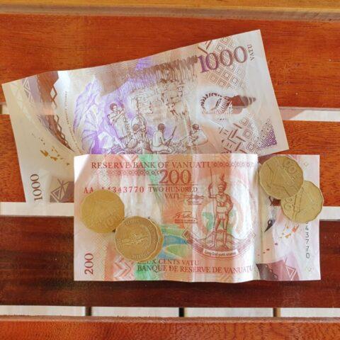 Vanuackie pieniądze.