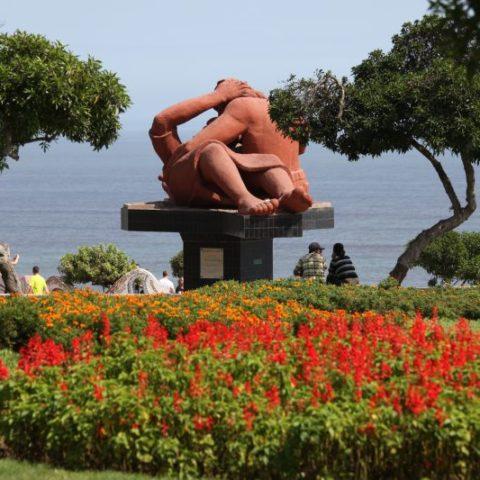 Pomnik zakochanych w stolicy Peru, Limie.