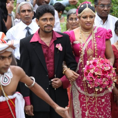 Weselny orszak podczas ślubu na Sri Lance