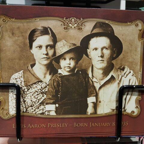 Gladys, Vernon i Elvis Presley.