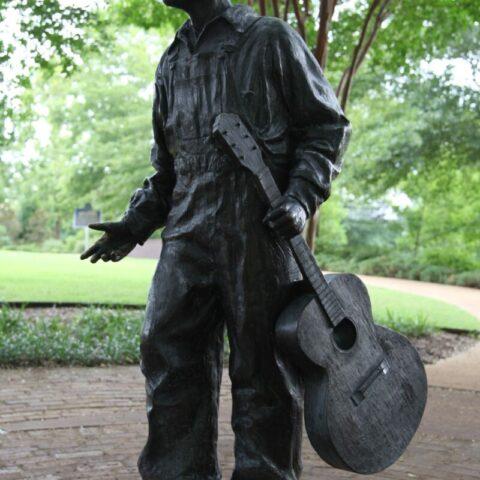 Pomnik trzynastoletniego Elvisa w Tupelo