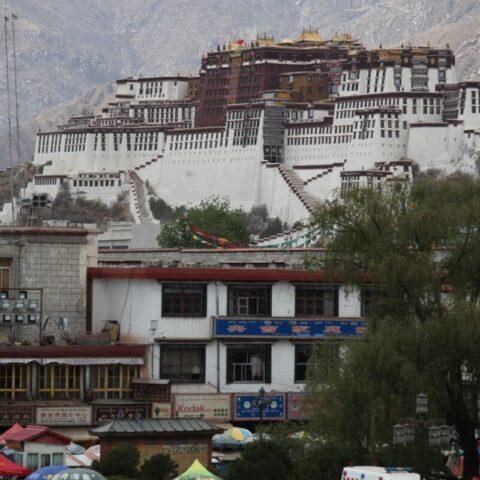 Pałac Potala w stolicy Tybetu, Lhasie.