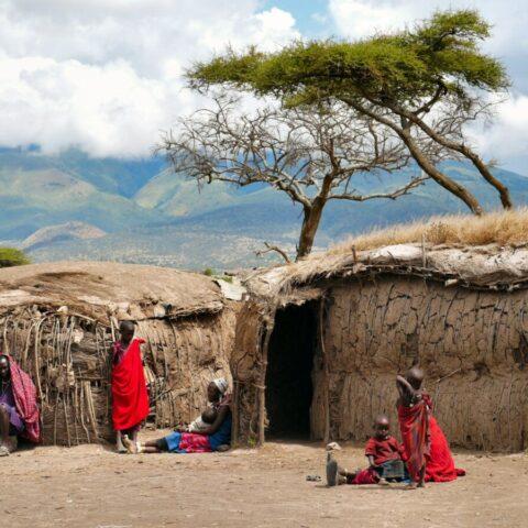 Dom Masajów na sawannie, Kenia.