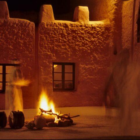 Kazba, dom na pustyni w Maroku.