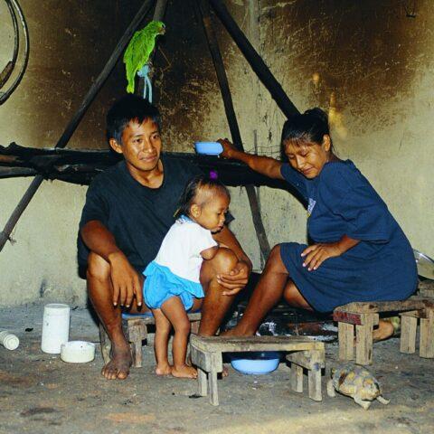 W indiańskiej chacie nad Orinoko, Wenezuela.